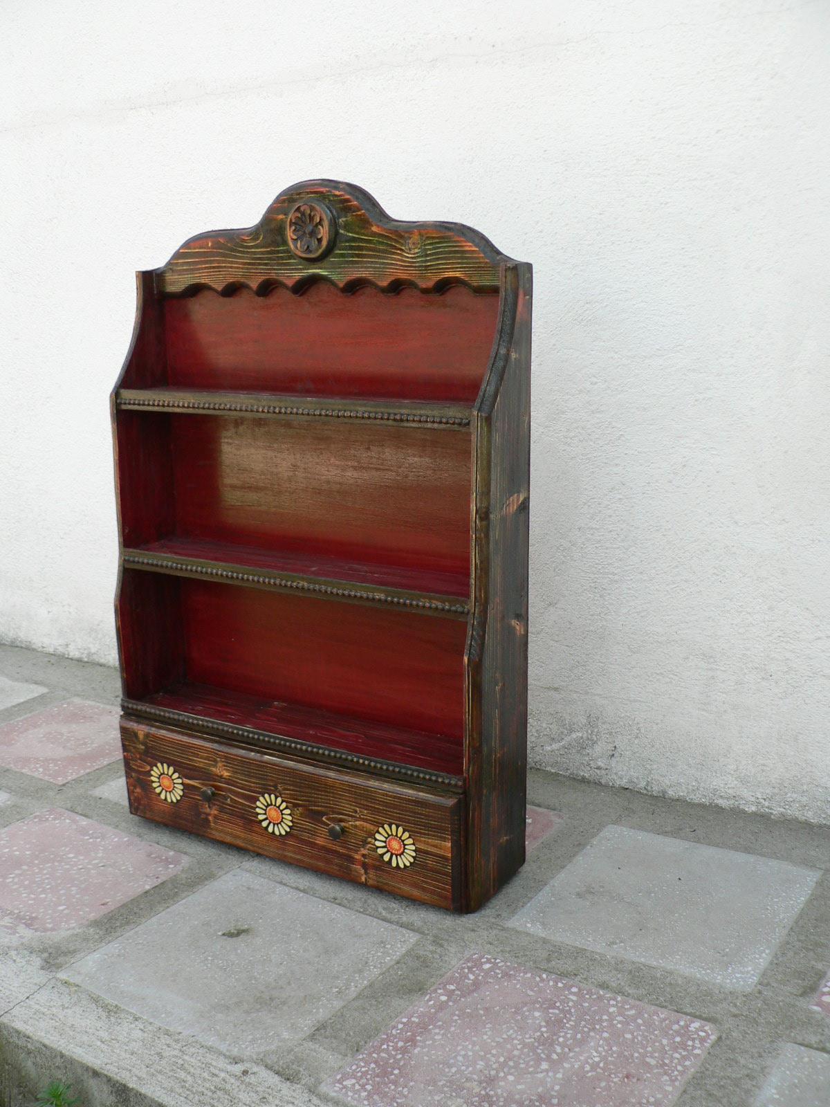 BLIDAR CU SERTAR-lemn de brad si tei sculptat.Dim.120x80x25cm.