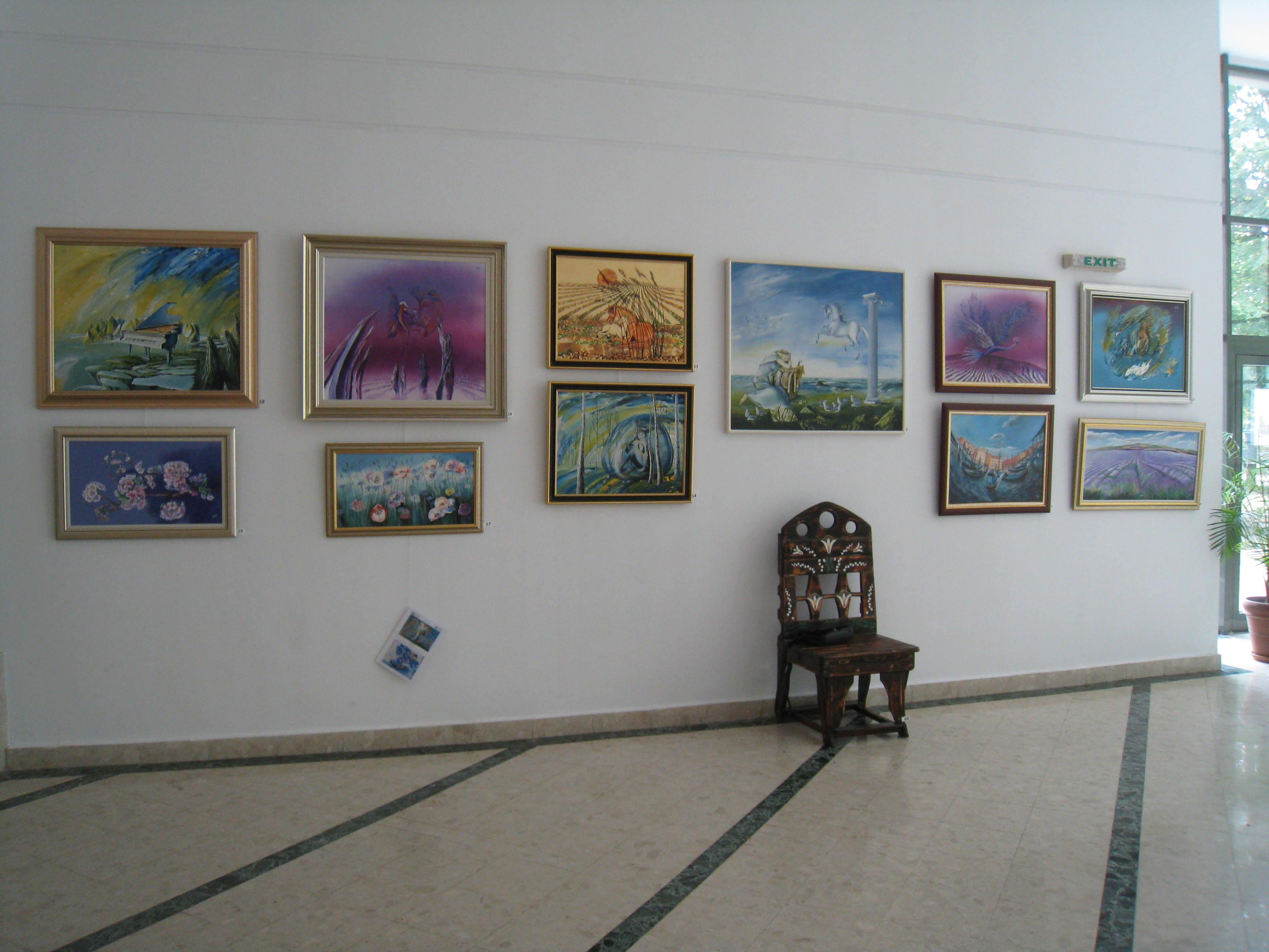 Expozitie la Universitatea Romano -Americana-2014
